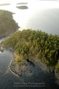 The rocky shores of Rum Island (Isle-de-Lis)