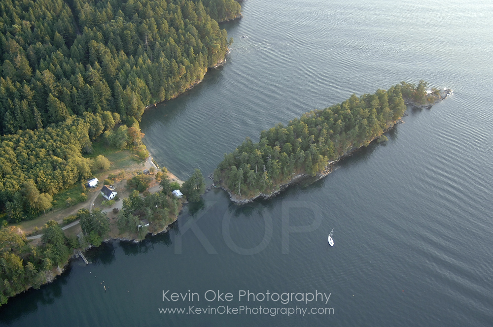 Aerial photograph of Roe Islet at Roesland, North Pender Island